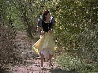 Full-length Snow White porno spoof