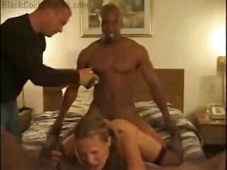 amateur wife threesome fucks herself with bbc