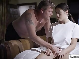 Father can easily seduce his daughter in daddy & aughter porn vids