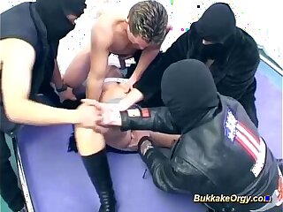 bukkake gangbang chick