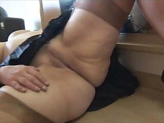 Busty babe cameltoe and plump pussy live show